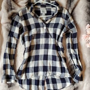 Bass low-high flannel top